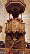 The place where the priest talks in the basilica