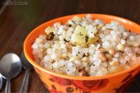 Sabudana khichdi is the most favorite and popular recipe for any fasting days. But this is a staple dish to make especially in Navratri fasting. This khichdi is vegan and gluten-free Indian snack. Sabudana khichdi is also is a popular Maharashtrian breakfast item.
