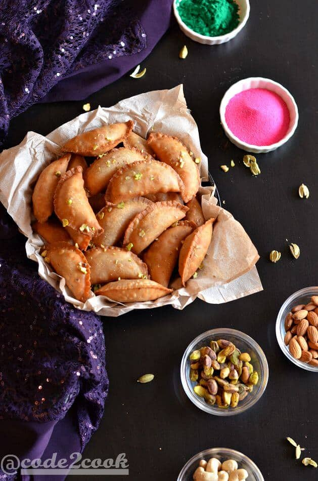 Whole wheat mawa gujiya or mawa karanji is a traditional Indian sweet prepared during Holi or Diwali, especially in North India.