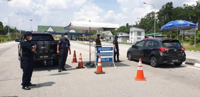 Police roadblock MCO