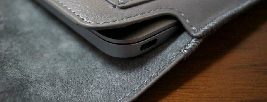 MacBookと一緒に買ったもの: 英国Snugg社製 合成レザーケース(生涯補償付き)をレビューします