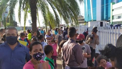 Ciudadanos relatan  adversidades en las jornadas de cedulación en Guayana