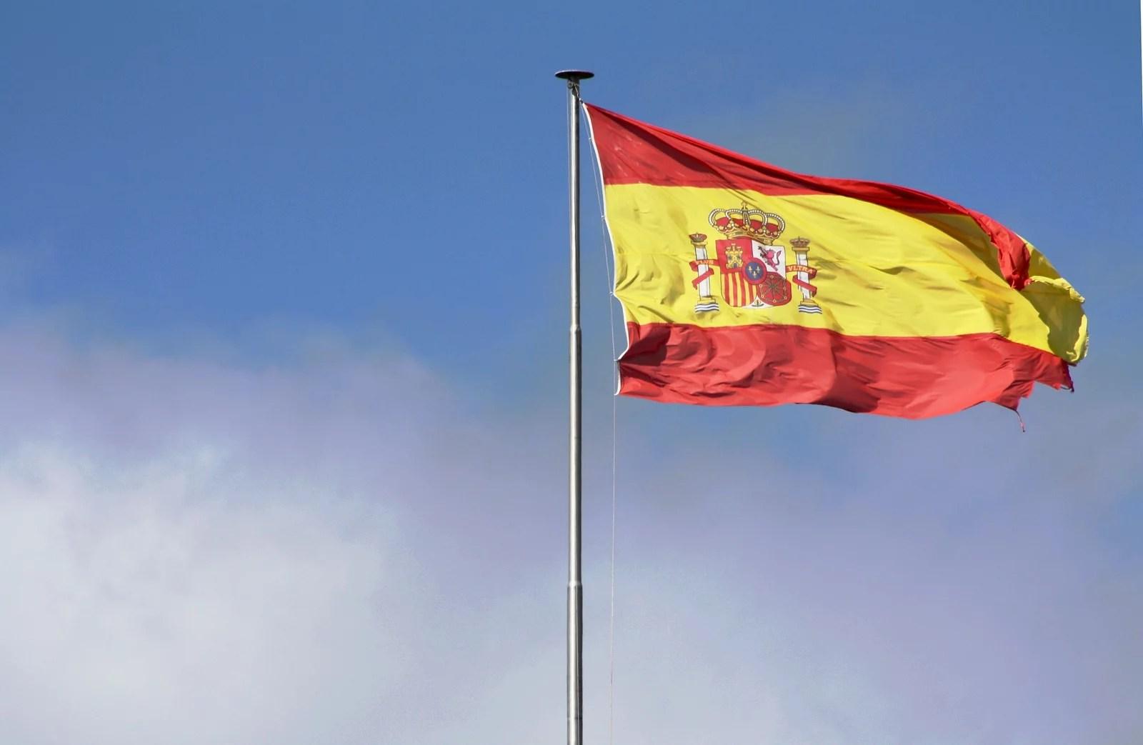 flag-1273680_1920