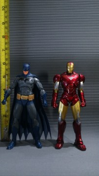 DC Icons vs SH Figuarts Ironman