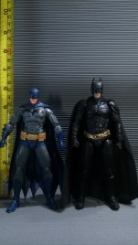 DC Icons vs Mafex v.1