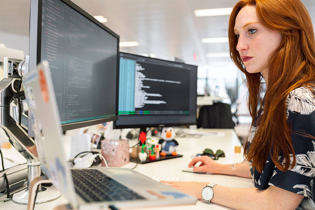 Woman software engineer