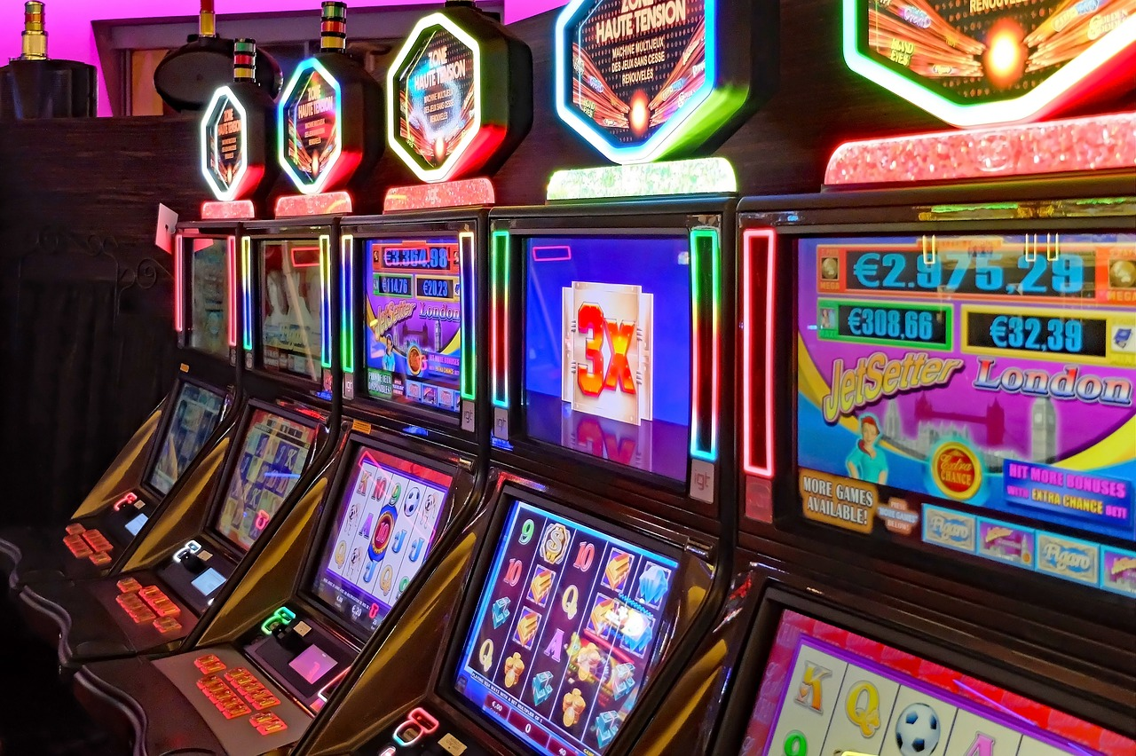 How Someone can Entertain Oneself While Playing Online Casino Games for the  First Time - CodetoRank.com