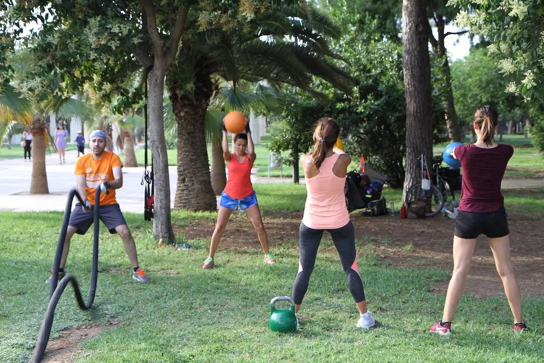 Entrena tu salud al aire libre con Código Bienestar