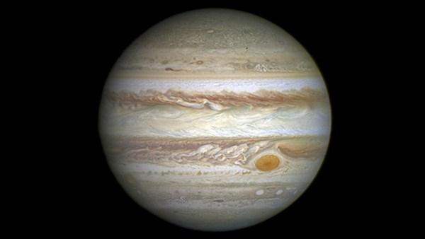 Hubble_25_An_PuntoRojoJúpiter