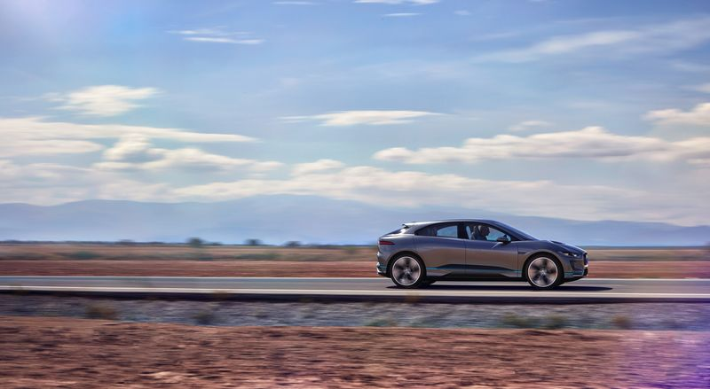 jaguar_i-pace_concept_location_09sm-0