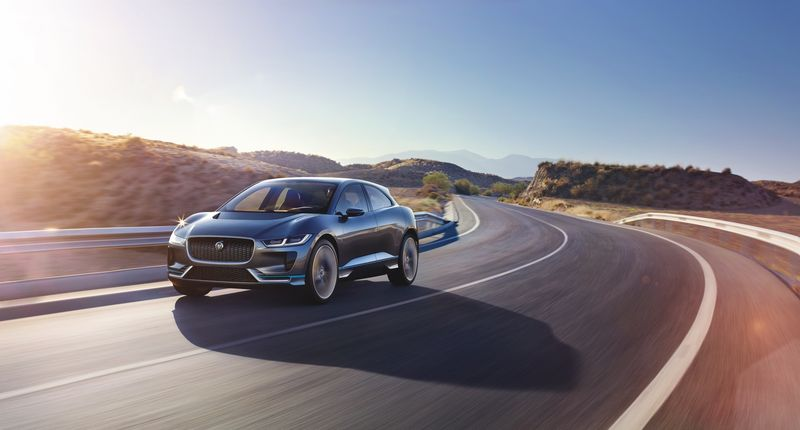 jaguar_i-pace_concept_location_15sm-0