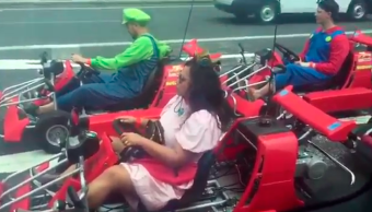 Hugh Jackman fue testigo de una carrera de Mario Kart en las calles de Japón