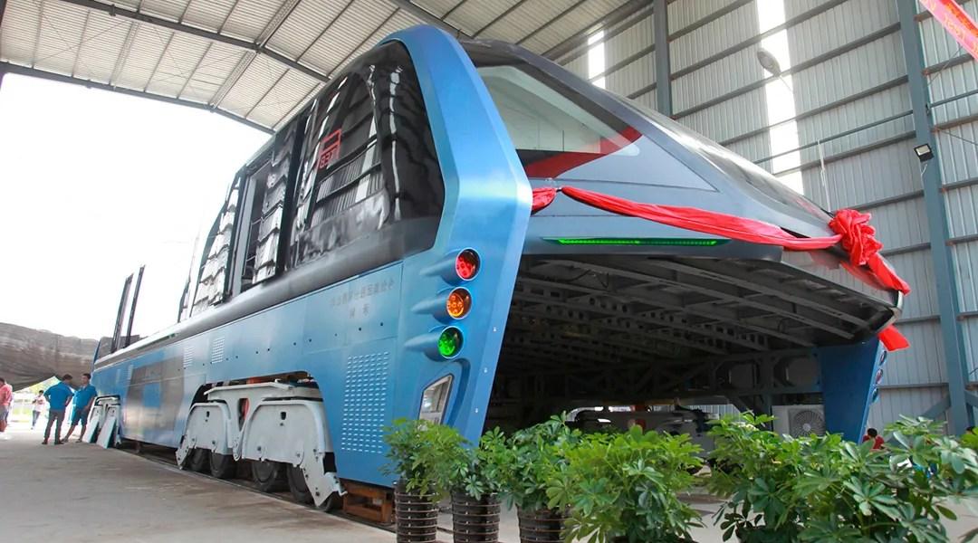 El autobús elevado de China resultó ser una estafa