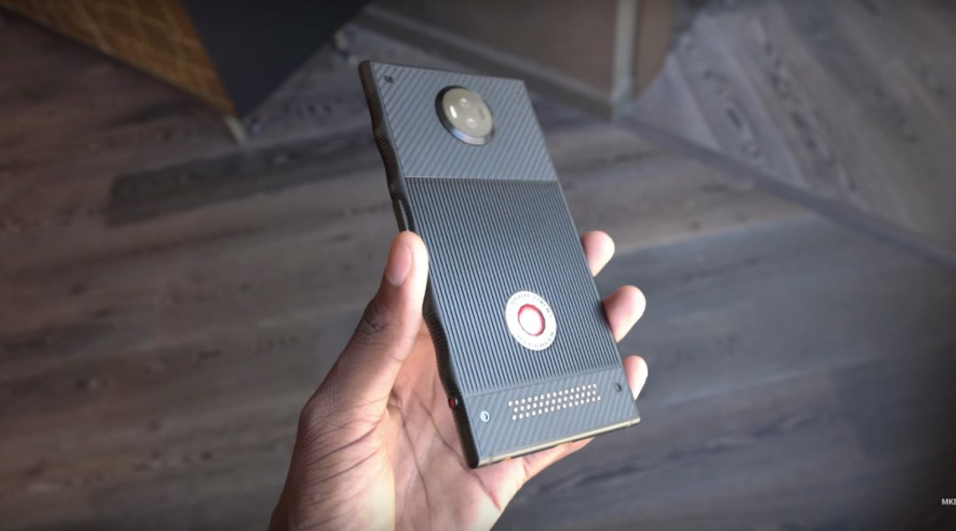 El primer hands-on del RED Hydrogen confirma que su diseño es horrible