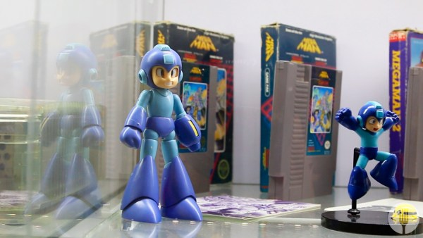 Omar Rendón tiene la mayor colección de Mega Man en México