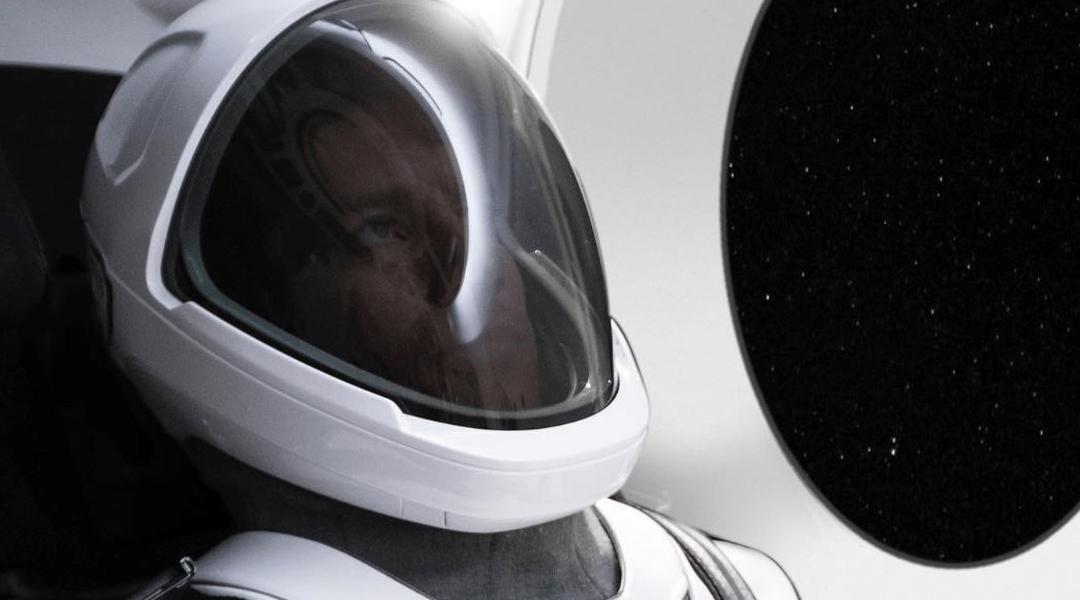 Elon Musk muestra el primer vistazo de los trajes espaciales de SpaceX