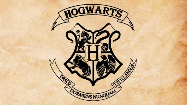 Emblema del Colegio Hogwarts de Magia y Hechicería