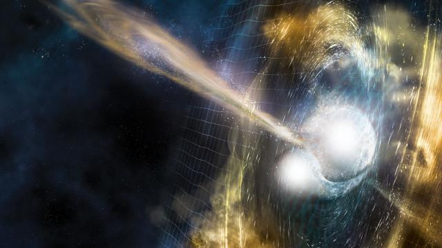 En la ilustración se representa la colisión de dos estrellas de neutrones, con el característico brote de rayos gamma de altaenergía y las ondas gravitacionales que causa en el tejido espacio-tiempo.