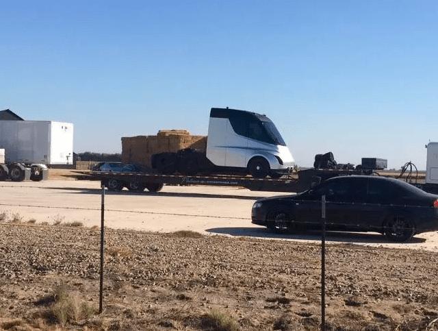 Foto filtrada del supuesto nuevo camión de Tesla.