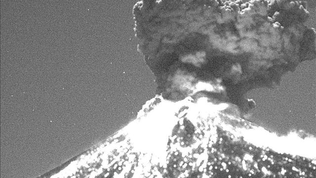 volcan popocatepetl captado a la distancia