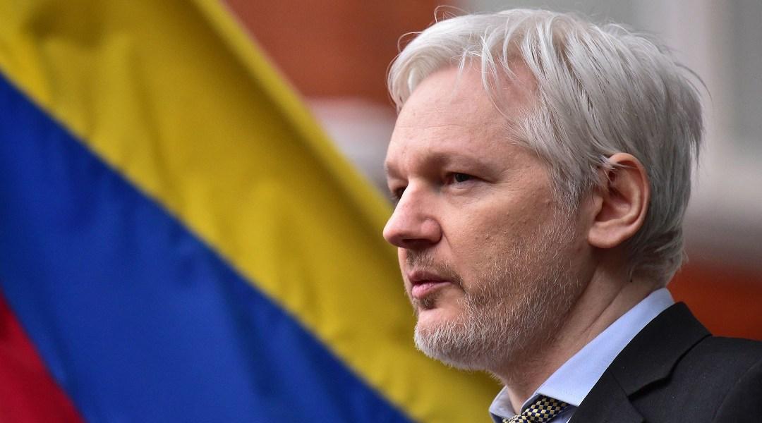 Es un hecho: Ecuador le otorga la nacionalidad a Julian Assange