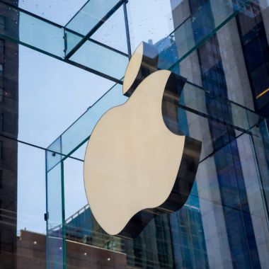 Apple, IBM y Alphabet ya no exigen títulos universitarios