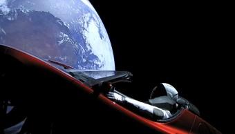 Tesla en el espacio