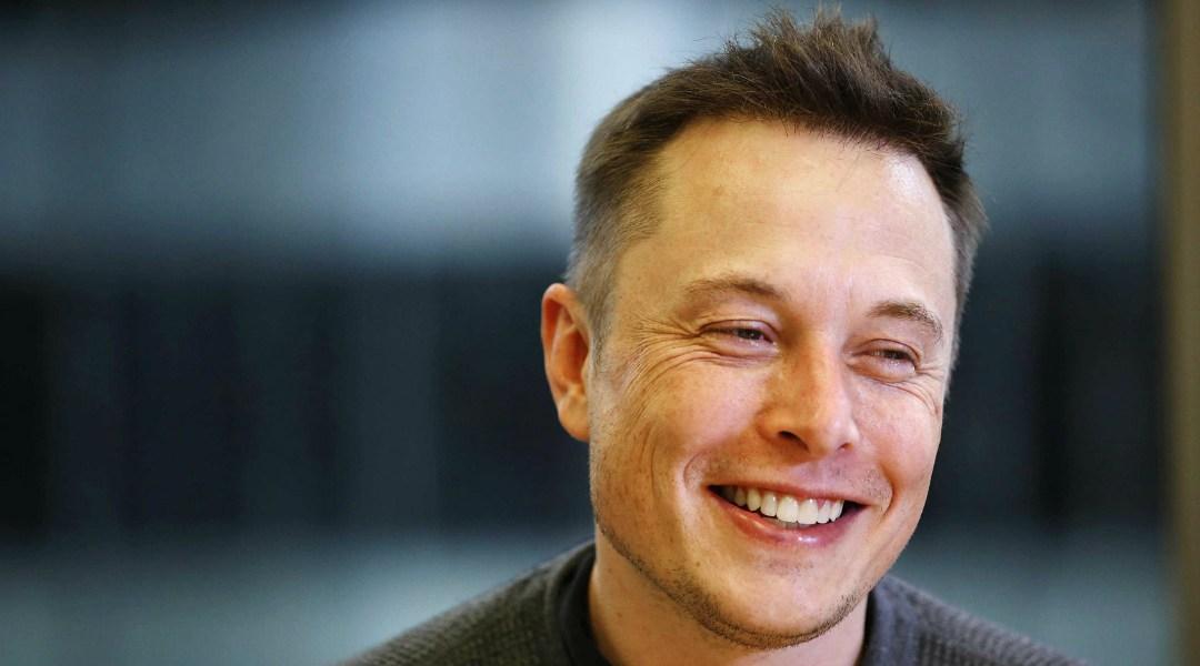 """Elon Musk podría crear un """"imperio mediático intergaláctico"""""""