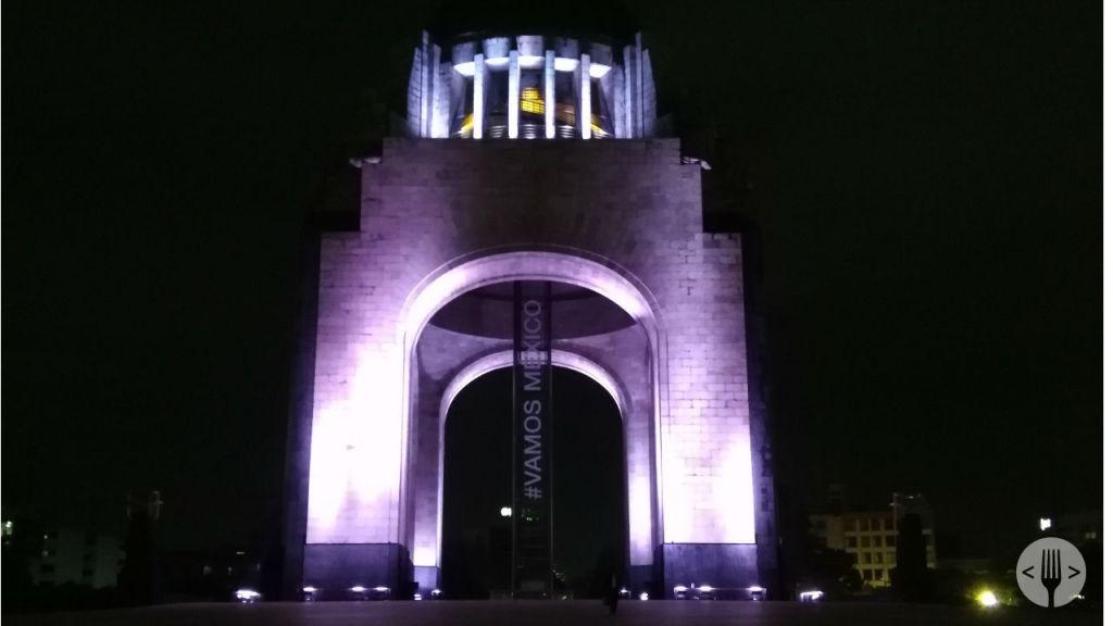 foto-nocturna-monumento-revolucion-ciudad-de-mexico-tomada-honor-7x