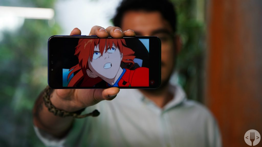 resena-huawei-nova-3-review-smartphone-pantalla-encendida
