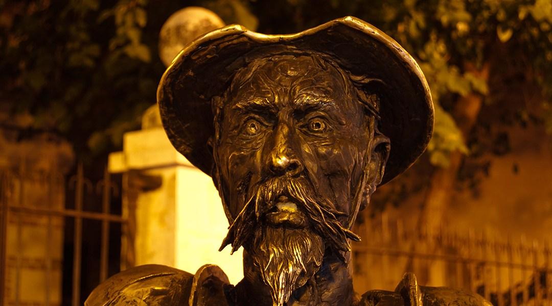 Estatua de El Quijote realizada en metal