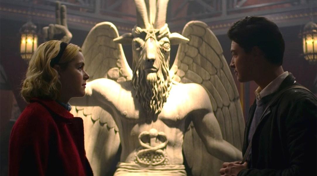 Sabrina en una escena de la serie de Netflix