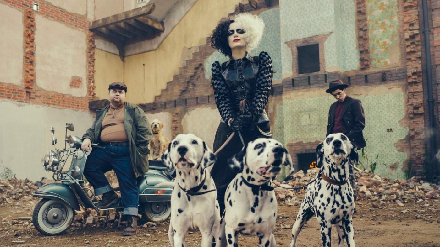 Cruella de vil con sus perros