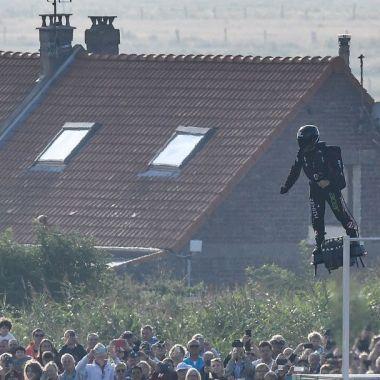 Franky Zapata cruza el Canal de la Mancha
