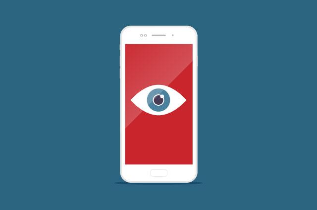 Smartphone celular blanco con un ojo en la pantalla cómo saber si alguien espía tu smartphone