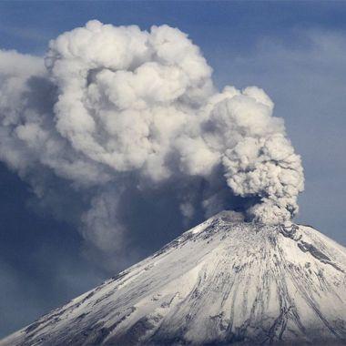 Volcán Popocatépetl registra actividad