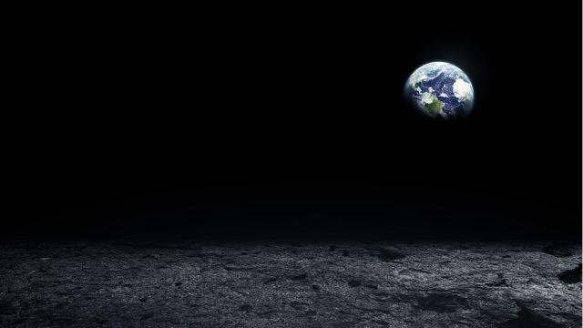 Elevador de la Tierra a la Luna.