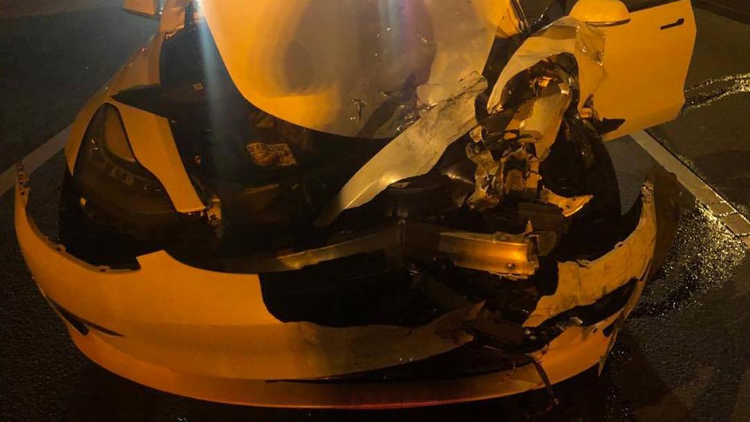 Tesla Model 3 Accidente