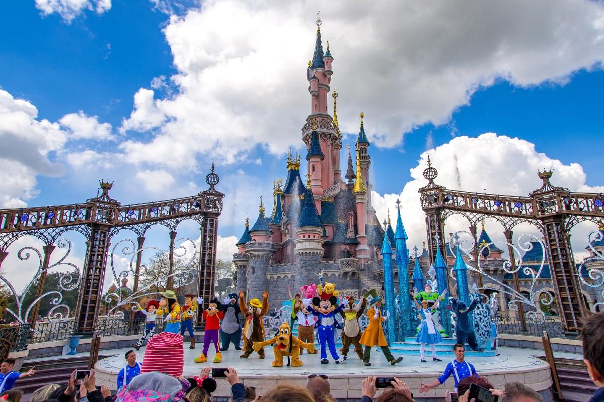 Disney California cerrará sus puertas por coronavirus