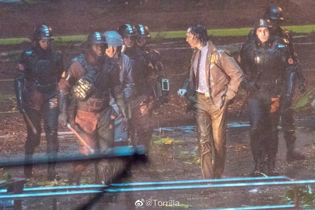Tom Hiddleston en el set de Loki 2