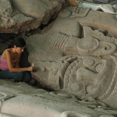 El monolito de la Tlaltecuhtli, cuando se encontró en Ciudad de México.