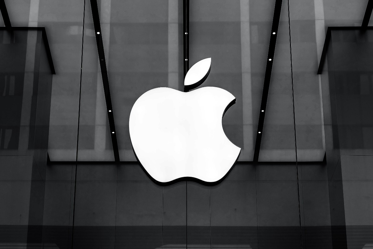 Apple One Apple iPhone 12