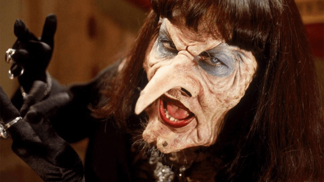 remake Las Brujas Anne Hathaway