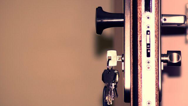 Ladrones de llaves pueden hacer duplicados con el sonido que hacen al abrir