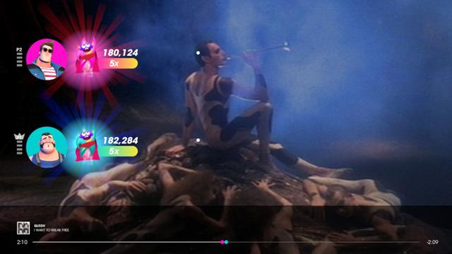 Let's Sing Queen te permite tomar el micrófono y sentirte Freddie Mercury mientras cantamos los temas más icónicos de la legendaria banda inglesa
