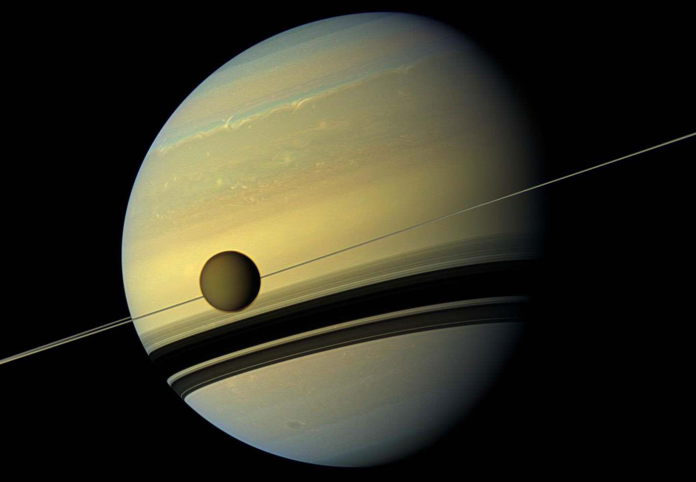 Titán, Saturno