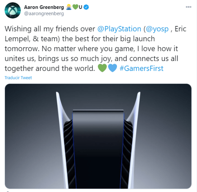 Xbox felicita a PS5