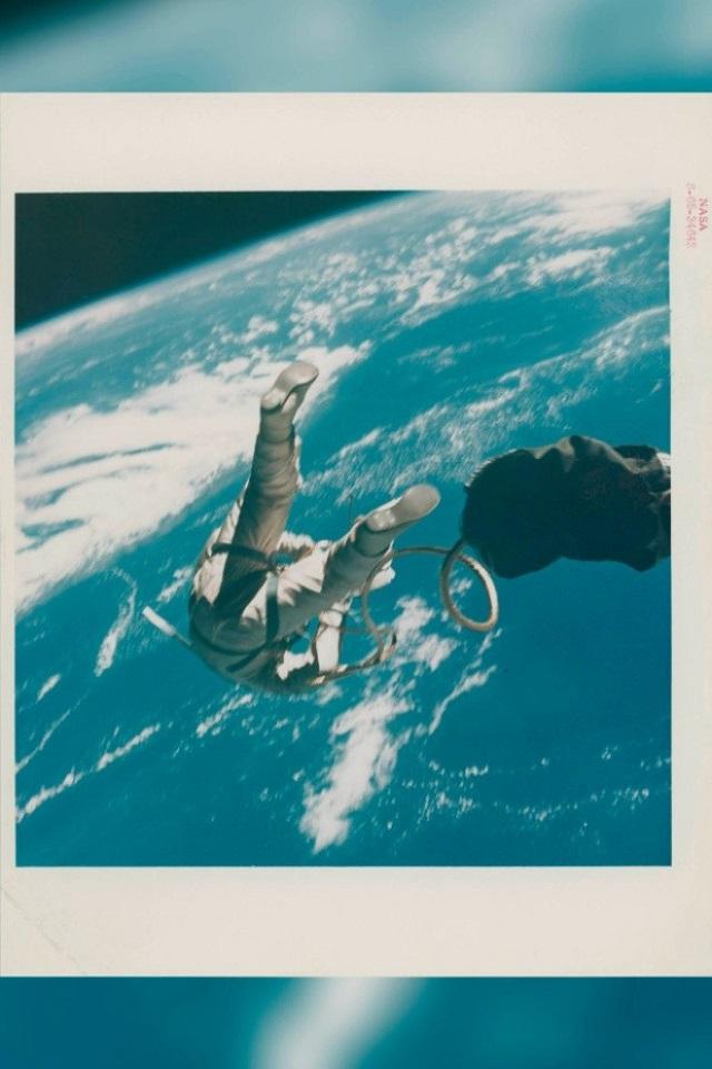 Buzz Aldrin Primer Selfie en el Espacio