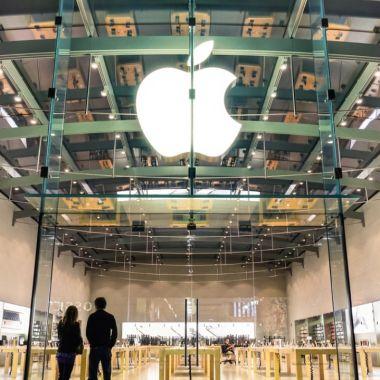 Empleados de Apple volverán en junio de 2021