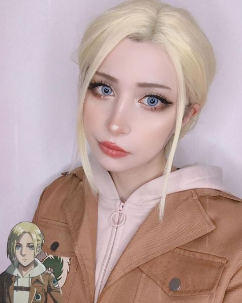 cosplay annie leonhart titán mujer